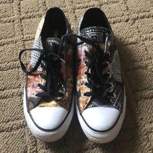 Converse sneakers low tops